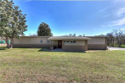 Forest Park OK Single Family Home For Sale: $167,500