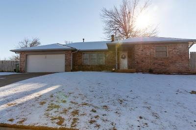 Yukon Single Family Home For Sale: 1005 Yuhoma Drive