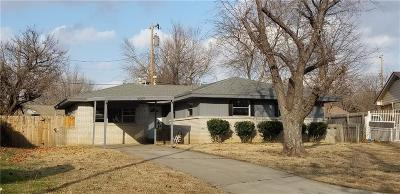 Bethany Single Family Home For Sale: 6609 N Keeton Circle