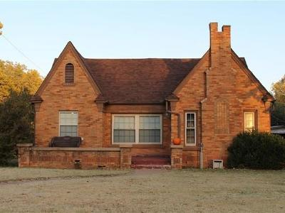 Chickasha OK Single Family Home For Sale: $83,850