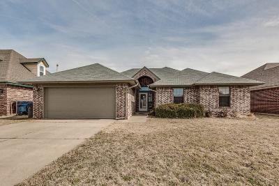 Oklahoma City Single Family Home For Sale: 8104 John Robert Drive