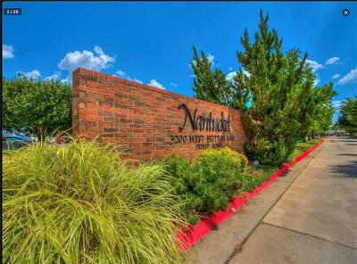Oklahoma City Condo/Townhouse For Sale: 3200 W Britton #245