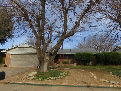 Altus Single Family Home For Sale: 601 Comanche Trail