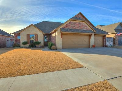 Weatherford Single Family Home For Sale: 2606 Falling Leaves