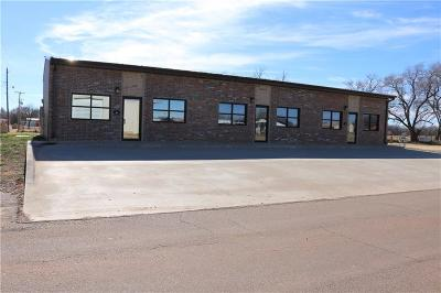 Beckham County Commercial For Sale: 108 W Walnut Corner