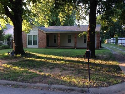 Midwest City Single Family Home For Sale: 9613 SE 6th Street