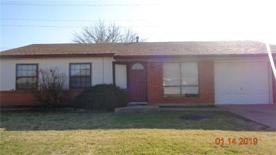 Altus Single Family Home For Sale: 928 Hairston