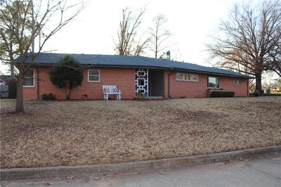 Chickasha OK Single Family Home For Sale: $139,900