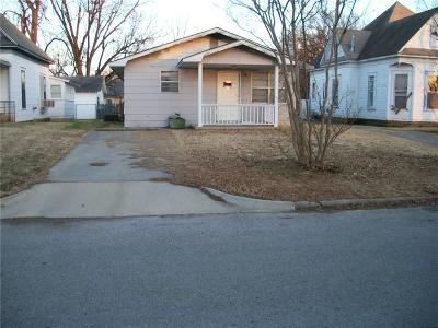 Shawnee Single Family Home For Sale: 125 S Center