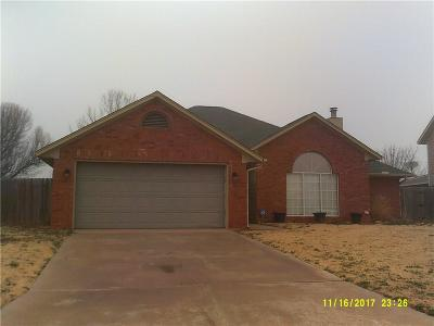 Altus Single Family Home For Sale: 2817 N Towne