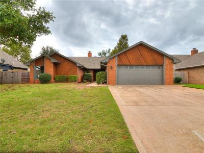 Yukon Single Family Home For Sale: 220 E Parkland