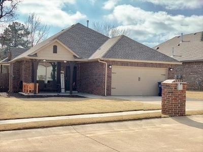 Harrah Single Family Home For Sale: 20590 Autumn Trail