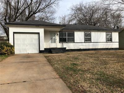 Midwest City Single Family Home For Sale: 4012 Crabtree Cove