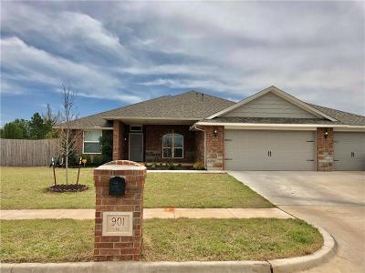Chickasha OK Single Family Home For Sale: $213,125