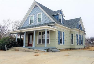 Shawnee Single Family Home For Sale: 610 N Broadway