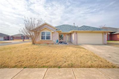 Midwest City Single Family Home For Sale: 2345 Serenade Drive
