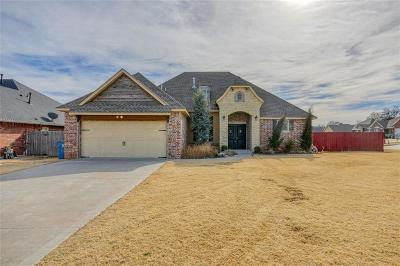 Midwest City Single Family Home For Sale: 10804 Taylor Paige Drive