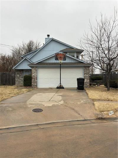 Moore Single Family Home For Sale: 2101 Lakecrest Drive