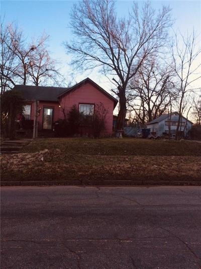Guthrie Single Family Home For Sale: 1303 W Noble