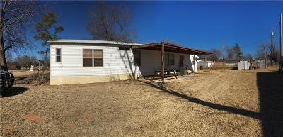 Fort Cobb Single Family Home For Sale: 403 Stanley