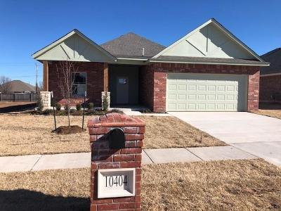 Yukon OK Single Family Home Pending: $190,000