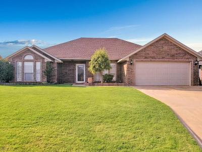 Altus Single Family Home For Sale: 2901 N Towne Drive