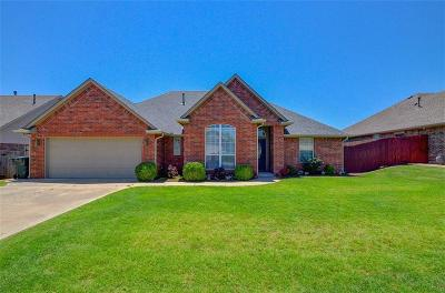 Midwest City Single Family Home For Sale: 10908 Blue Sky Drive