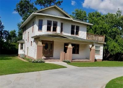 Single Family Home For Sale: 723 N Maple Street