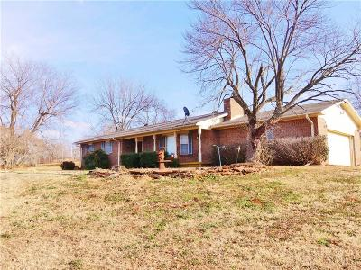 McClain County Single Family Home For Sale: 37060 State Highway 59 Highway