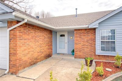 Moore Single Family Home For Sale: 600 Silver Medal Drive