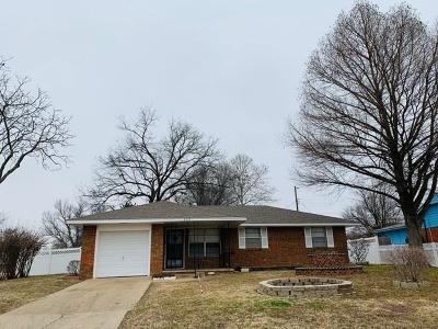 Norman Single Family Home For Sale: 237 Mimosa Drive