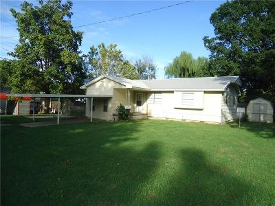 Tecumseh Single Family Home For Sale: 217 S 2nd Street