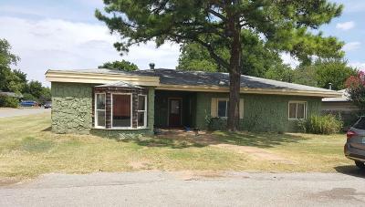 Chickasha Single Family Home For Sale: 2028 W Alabama Avenue