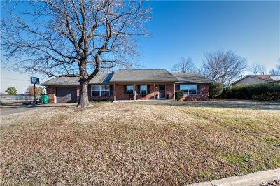 Stroud OK Single Family Home For Sale: $129,999