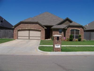 Weatherford Single Family Home For Sale: 2407 N Pumpkin Lane