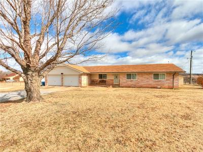 Tuttle Single Family Home For Sale: 408 S Cemetery Road