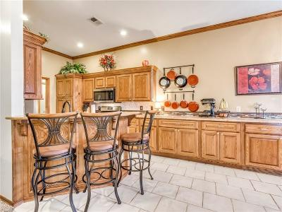 Single Family Home For Sale: 508 SW 159th Street
