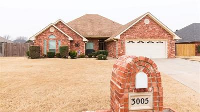 Altus Single Family Home For Sale: 3005 Garrison Road
