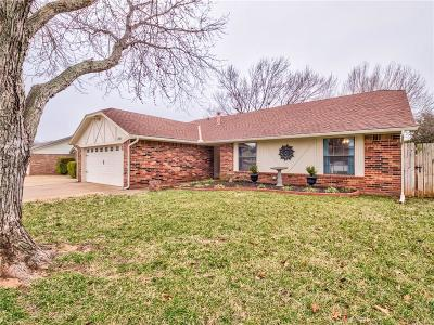 Edmond Single Family Home For Sale: 1705 Magnolia Lane