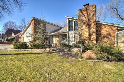 Shawnee Single Family Home For Sale: 6 Dustin Circle