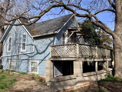Single Family Home For Sale: 414 E Division Street