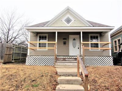 Single Family Home Sold: 117 N Hoff Avenue