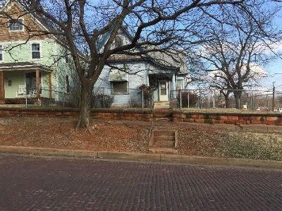 Guthrie Single Family Home For Sale: 322 S 1st Street