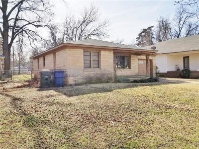 Chickasha Single Family Home For Sale: 807 W Kansas Avenue