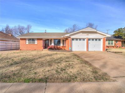 Oklahoma City Single Family Home For Sale: 8417 S Hillcrest Drive