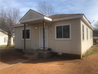 Single Family Home For Sale: 211 S 5th Street