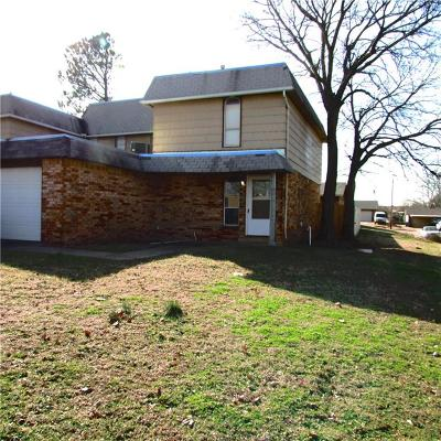 Oklahoma City Attached For Sale: 3815 Bradfred Drive