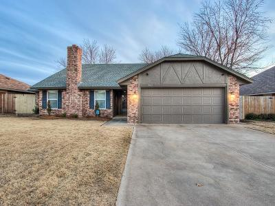 Oklahoma City Single Family Home For Sale: 3140 SW 100th Place