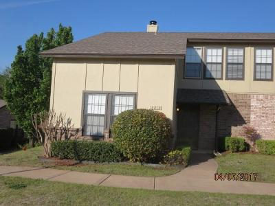 Edmond Condo/Townhouse Pending: 13813 W Crossing Way
