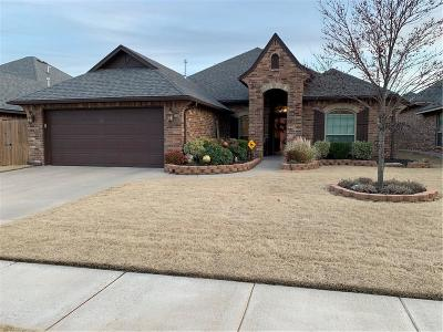 Moore Single Family Home For Sale: 304 SW 168th Street